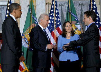 Timothy Geithner sworn in as Treasury Sec'y 1-26-09