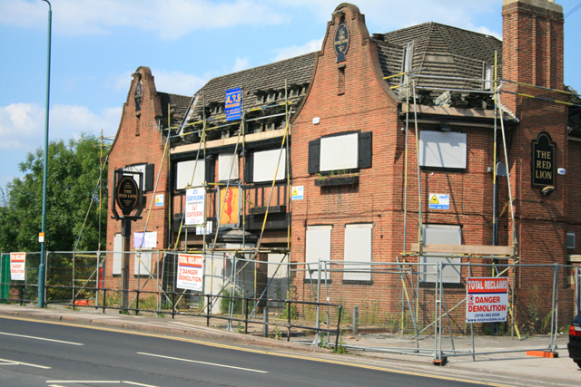 The Red Lion being demolished - geograph.org.uk - 900911