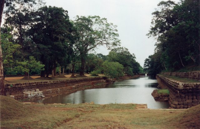 Sigiriya moat and garden2