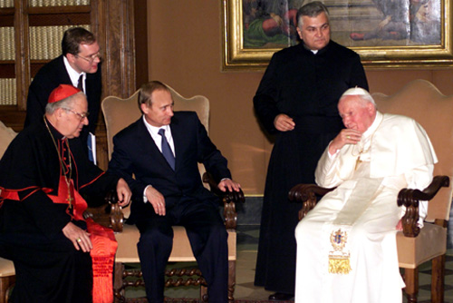 Vladimir Putin with Pope John Paul II-1