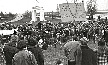 Demonstration against oil tankers on Canadian side of Peace Arch Park, 1970