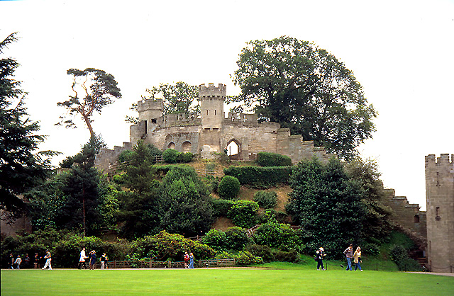 The Mound, Warwick Castle - geograph.org.uk - 11174