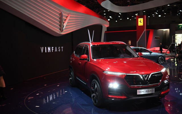 A Vinfast SVU Lux SA 2.0 at the 2018 Paris Motor Show