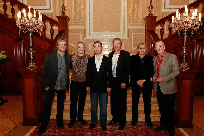 Dmitry Medvedev with Deep Purple 23 March 2011-1