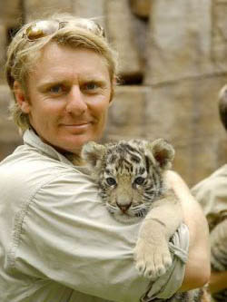 Wes Mannion with Tiger.jpg