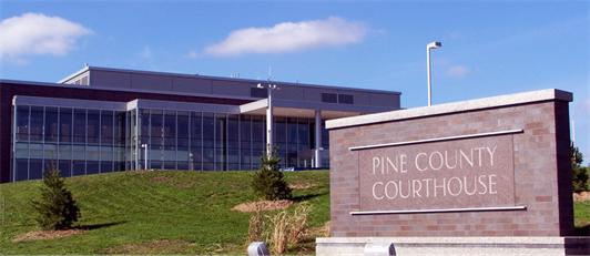 Pine Co Courthouse