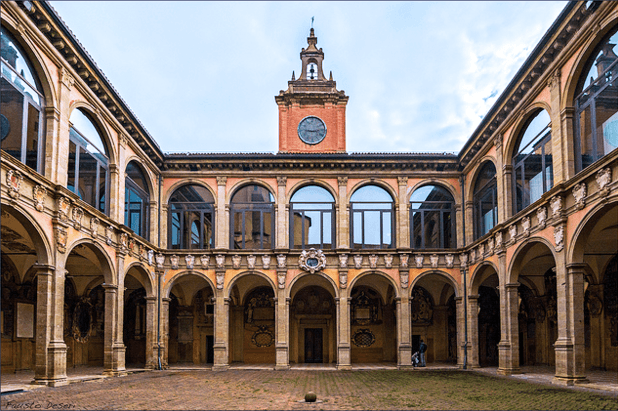 Archiginnasio-bologna02