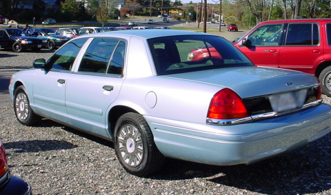 Ford Crown Victoria (1998) extended