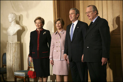 George and Laura Bush, King Albert II and Queen Paola of Belgium