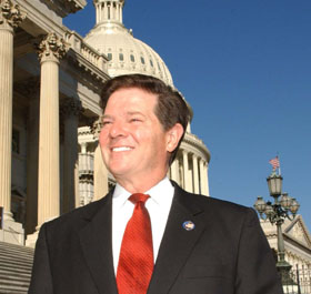 Tom DeLay on the steps of the Capitol Building