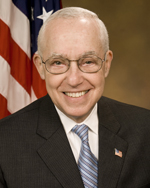 Michael Mukasey, official AG photo portrait, 2007.jpg