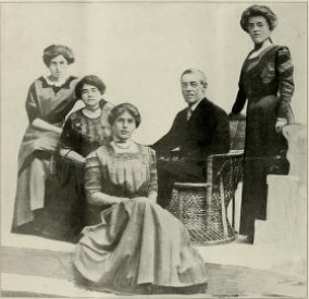 (left to right) Margaret Wilson, Mrs. Woodrow Wilson, Jessie Woodrow Wilson, Woodrow Wilson, Eleanor Randolph Wilson (1912)