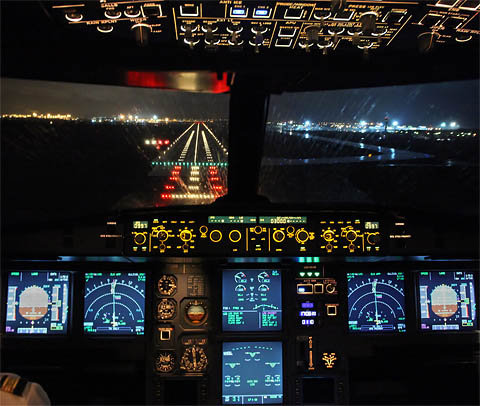 A320-cockpit-night