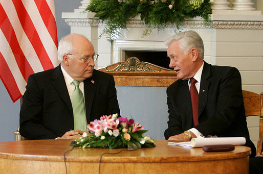 Lithuanian President Valdas Adamkus and Vice President Dick Cheney in Vilnius, Lithuania