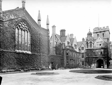 Photograph of New Quad, Brasenose College, Oxford in 1900