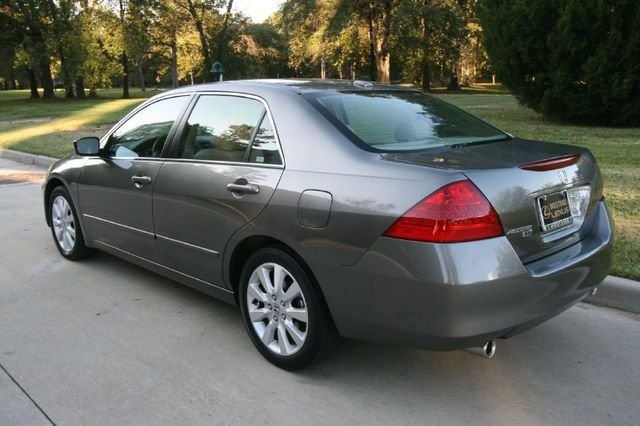 2007-Honda-Accord-Sedan02