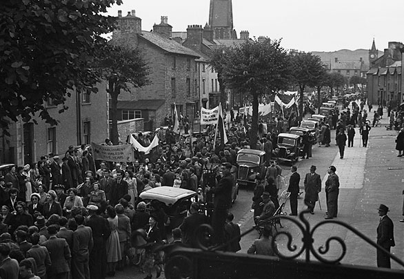 "A Plaid Cymru rally in Machynlleth in 1949 where the ""Parliament for Wales in 5 years"" campaign was started (14050400654)"
