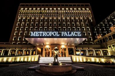 The Metropol Palace by night