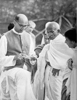 Mahadev Desai and Gandhi 2 1939