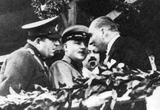 Mustafa Kemal and Voroshilovon 29 october 1933