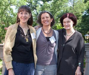 2011 06 03 ~ Carolyn, Claudia, Kelly ~ MaryWashingtonU