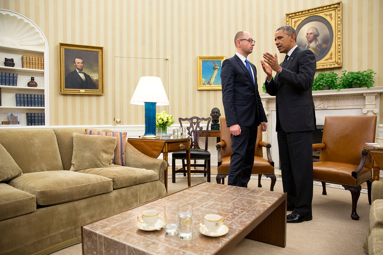 President Barack Obama talks with Prime Minister Arseniy Yatsenyuk of Ukraine at the conclusion of their bilateral meeting in the Oval Office, March 12, 2014. (Official White House Photo by Pete Souza)1 of 7