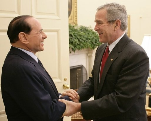 George W. Bush welcomes Silvio Berlusconi