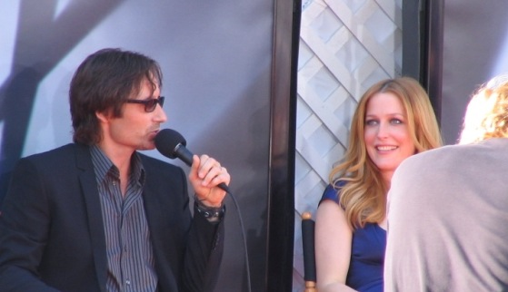 DavidDuchovny-GillianAnderson2008-cropped