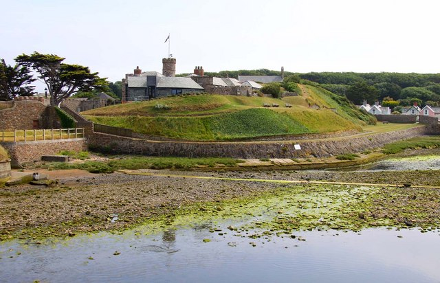 Bude castle - geograph.org.uk - 1457352