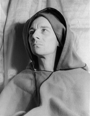 Portrait of John Gielgud 2 by Carl Van Vechten cropped