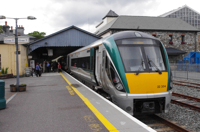 Train at Killarney Station - geograph.org.uk - 2556130