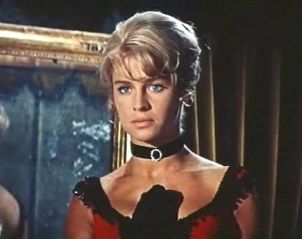 Julie Christie in Doctor Zhivago 3