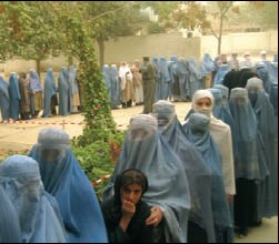 Women voting afghanistan 2004 usaid