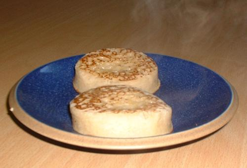 Crumpets, hot