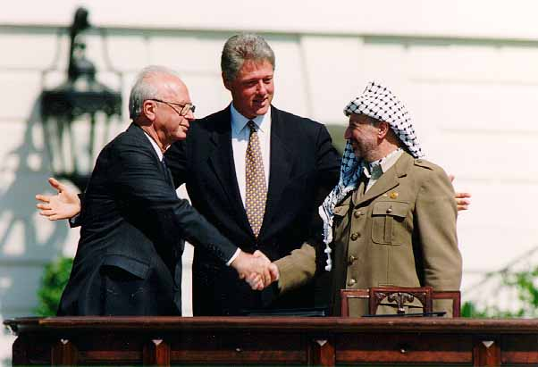 Bill Clinton, Yitzhak Rabin, Yasser Arafat at the White House 1993-09-13