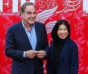 Oliver Stone and his wife in Closing ceremony of the 2018 Fajr International Film Festival 09 (cropped)