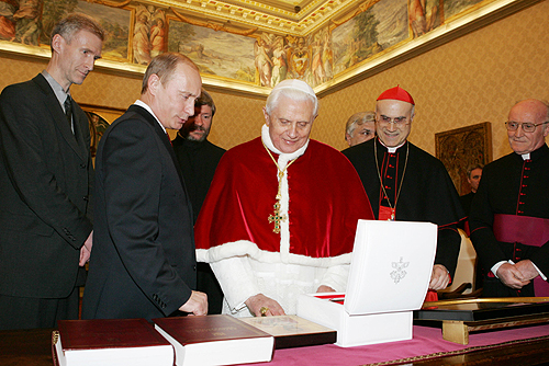 Vladimir Putin in the Vatican City 13 March 2007-4