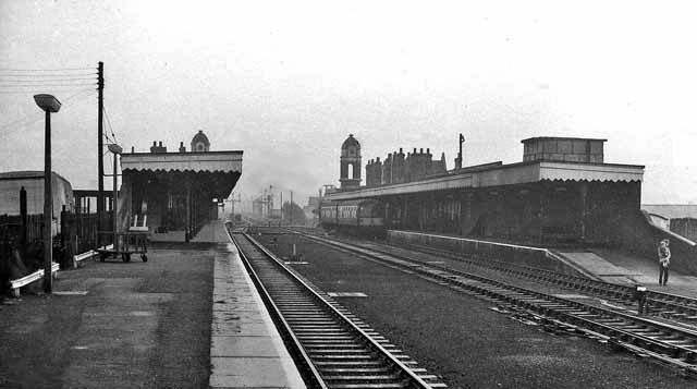 Bury St Edmunds railway station 1954705 45910128