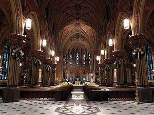 Cathedral of the Immaculate Conception (Albany, New York) - Nave, decorated for Christmas