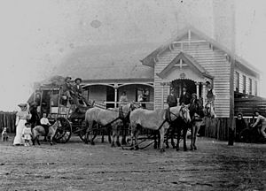 StateLibQld 1 177143 Stagecoach outside Adavale Post Office, 1907