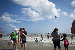 Thunder Over the Boardwalk Air Show 140813-F-RR679-140.jpg