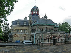 Old Abbey Mills Pumping Station, Stratford. - geograph.org.uk - 445286