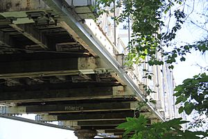 Morpeth Bridge underside - panoramio