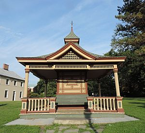 Snug Harbor gazebo West jeh
