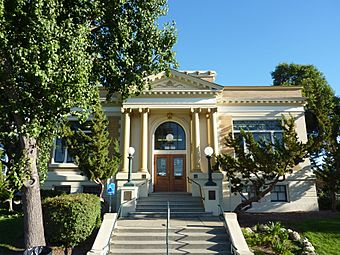 Livermore Carnegie Library Front View.JPG
