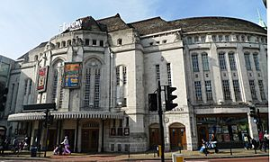 Broadway Theatre, Catford, SE6 (6877523774)