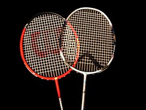 Heads of badminton raquets