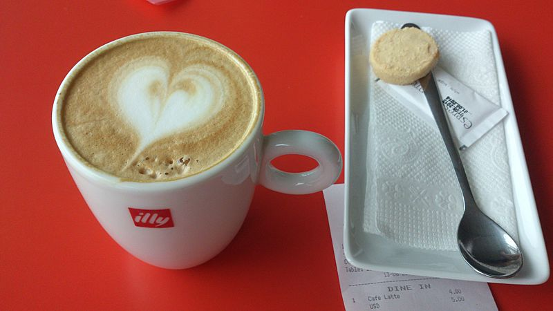 ILLY COFFEE LATTE IN VVTS AIRPORT