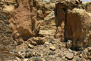 Chaco-Prehistoric-stairway