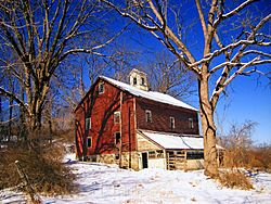 An old barn in Knowlton Township
